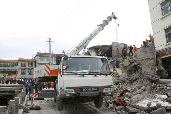 中联重科起重机在青海玉树救灾现场